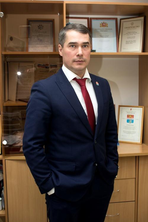Владимир Шауракс