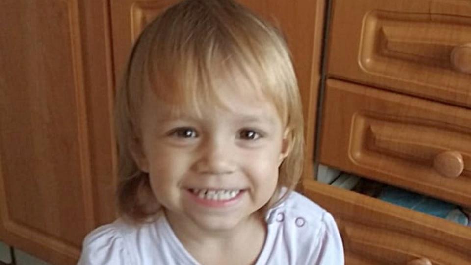 Двухлетняя девочка из Новосибирска умерла после употребления йогурта