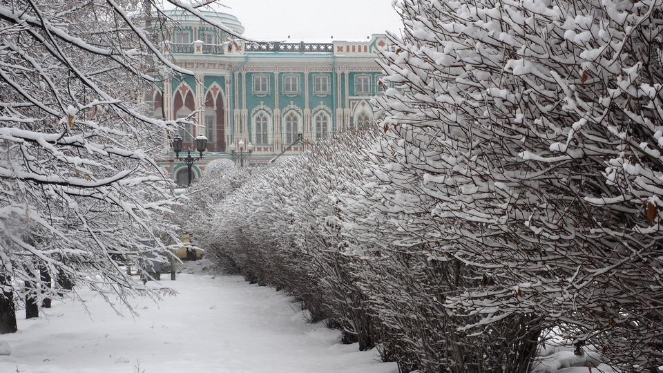 Новая неделя на Урале будет теплой и снежной
