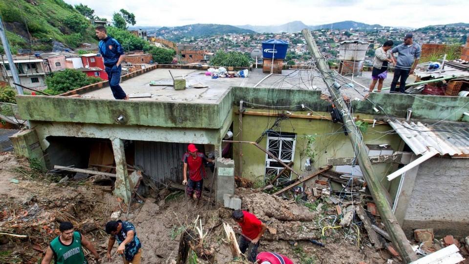 47 человек погибли в Бразилии из-за проливных дождей и оползней