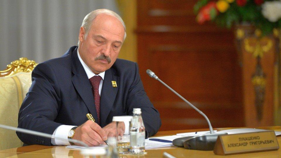 Список самых популярных иностранных политиков в России возглавил Александр Лукашенко
