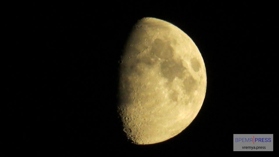 Жители Урала смогут увидеть сближение Луны с Венерой в конце января