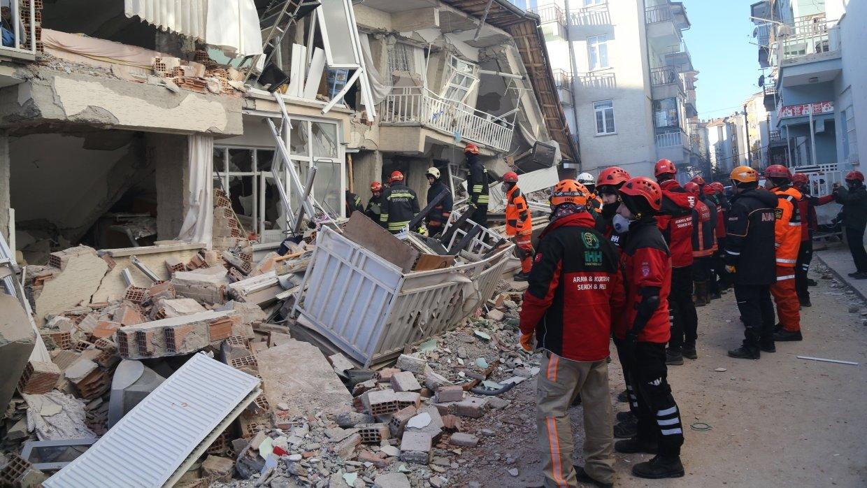 Землетрясение на востоке Турции унесло жизни 29 человек
