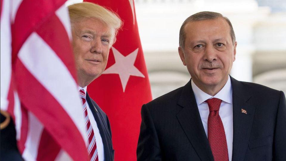 Трамп провел переговоры с Эрдоганом