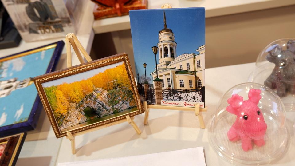 23 мастера приняли участие в конкурсе на лучший каменский сувенир