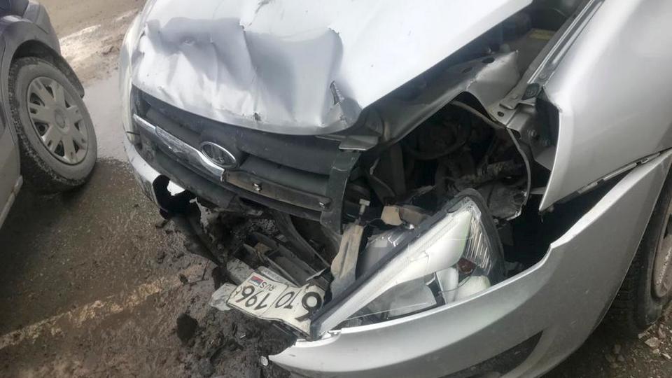 Два человека пострадали в аварии на проспекте Победы в Каменске-Уральском