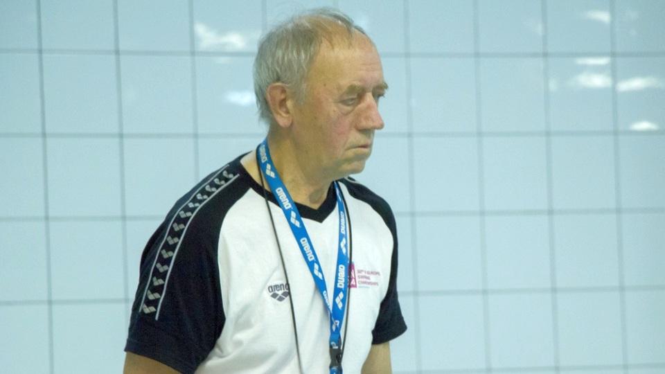 В Каменске-Уральском скончался легендарный тренер Борис Ложкин