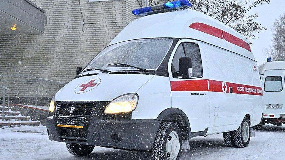 Житель Омска на автомобиле переехал пьяного мужчину и спас его от смерти