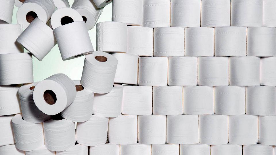 Трое граждан Китая украли у доставщика 600 рулонов туалетной бумаги