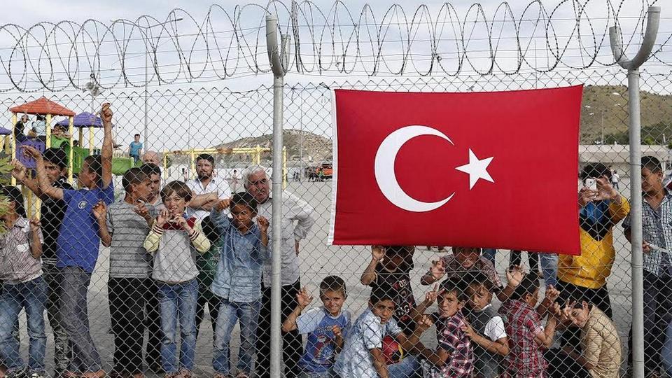 Турция открыла для сирийских беженцев границы с ЕС