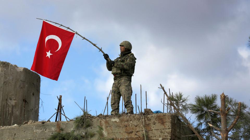 Беженцы из Сирии отправились из Турции в Грецию после обострения ситуации в Идлибе