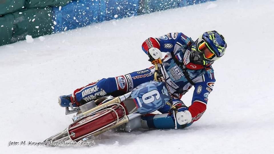 Чемпионом Мира по мотогонкам на льду