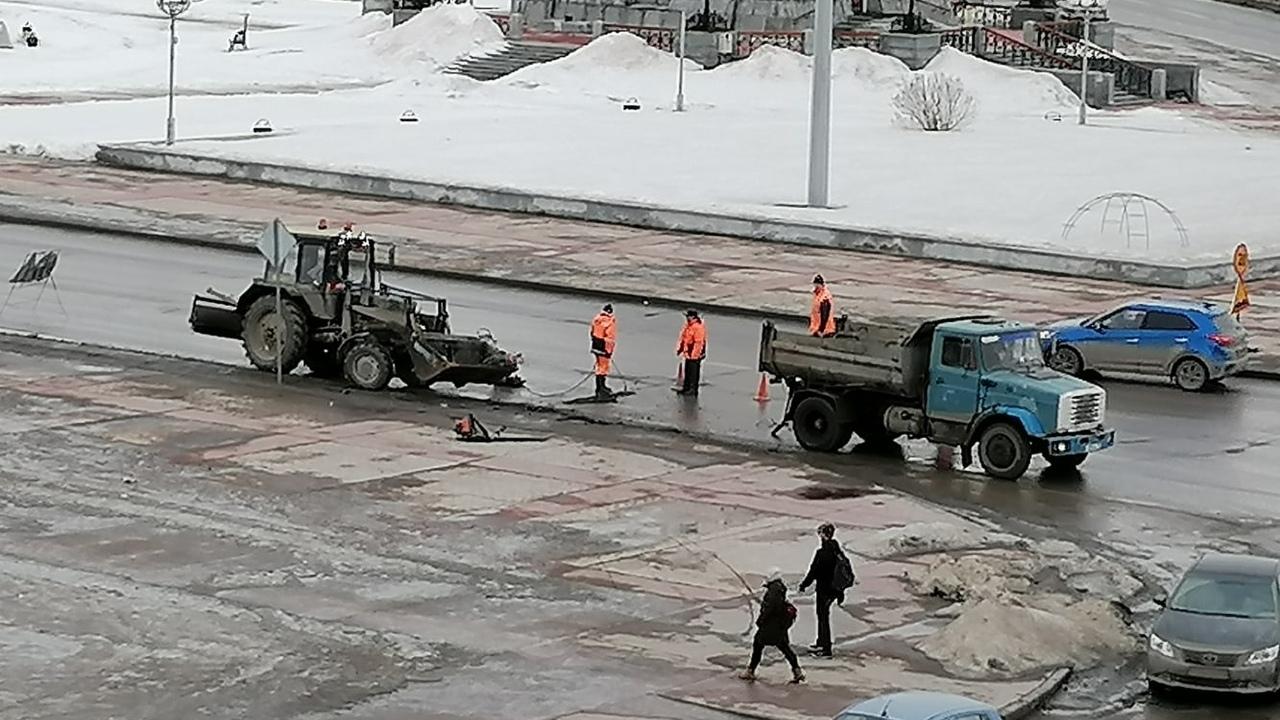 В Каменске-Уральском стартовал ямочный ремонт дорог
