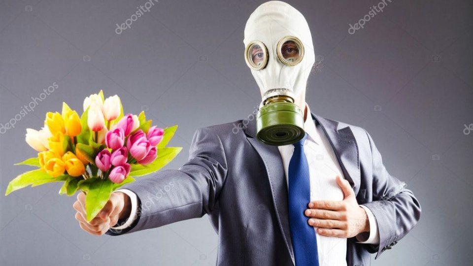 Российские мужчины придумали повод не дарить цветы на 8 марта, прикрываясь коронавирусом