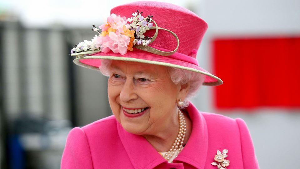 Королева Великобритании впервые отменила фейерверк в честь своего дня рождения