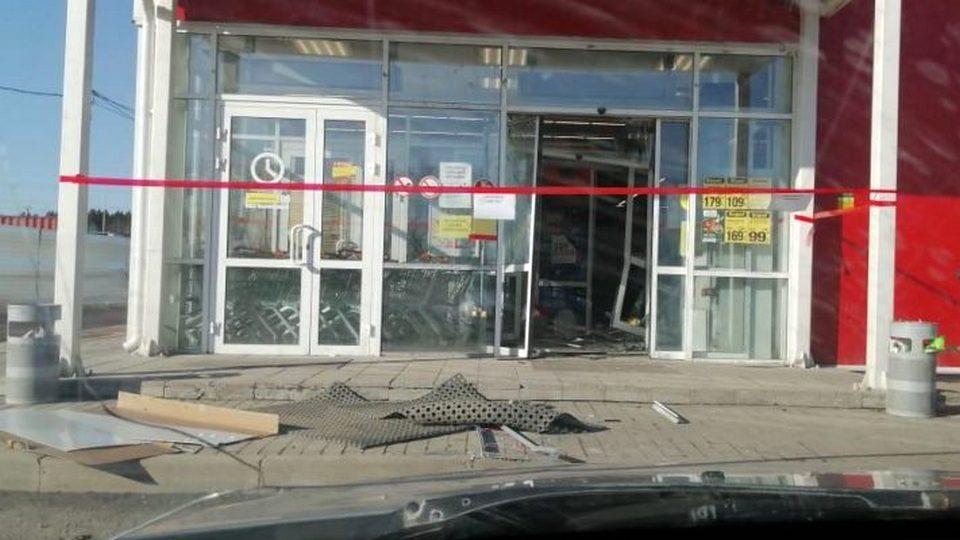 Грабители украли единственный банкомат в селе Косулино Свердловской области