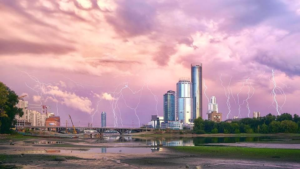 МЧС и синоптики предупреждают об ухудшении погоды на Среднем Урале