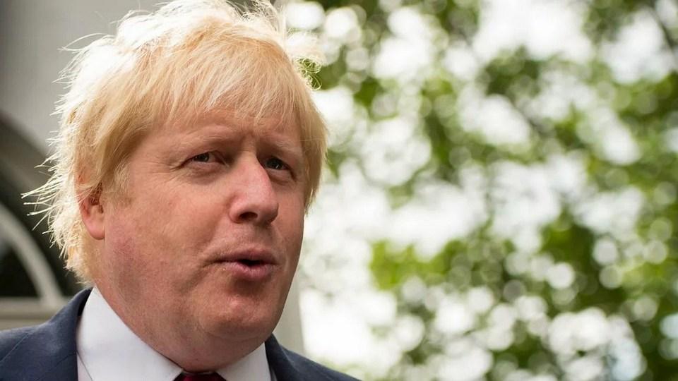 Королева Елизавета разрешила Борису Джонсону совершать пробежки в Букингемском дворце