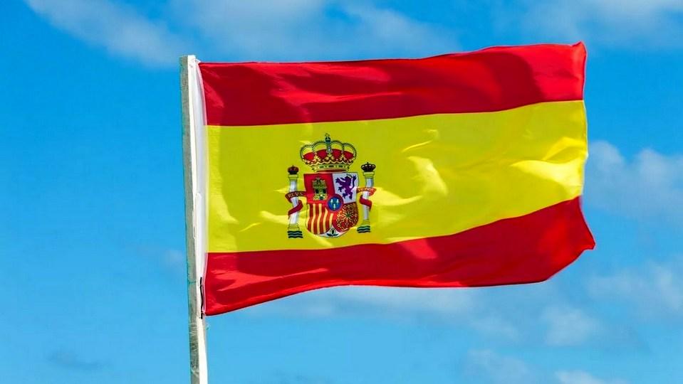 Количество летальных исходов от коронавируса в Испании начало стремительно снижаться