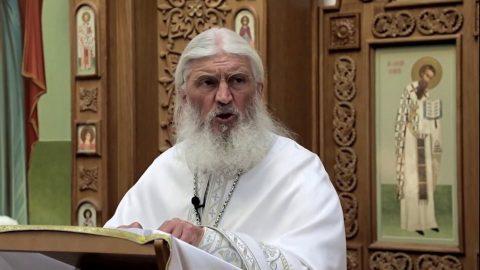 Схиигумен Сергий показал свою келью с гробом в Среднеуральском монастыре
