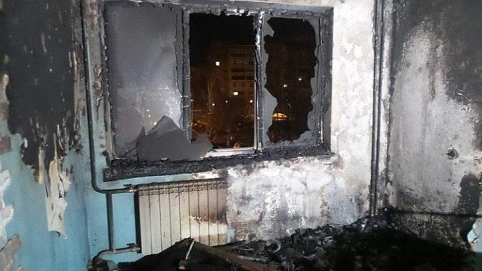 """Работавший на """"удаленке"""" екатеринбуржец спалил квартиру из-за неисправного ноутбука"""