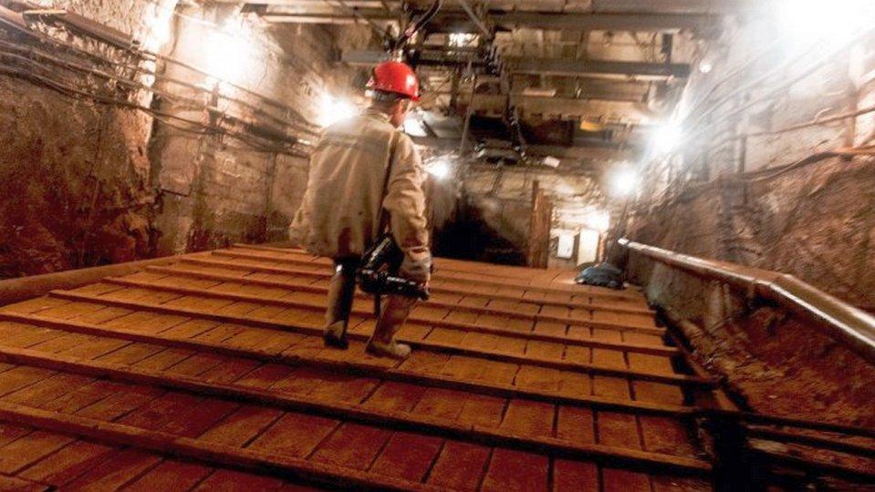 Три шахтера пострадали при обвале породы в шахте под Североуральском
