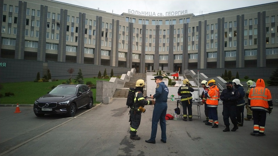 Пять пациентов с коронавирусом погибли при пожаре в больнице Петербурга
