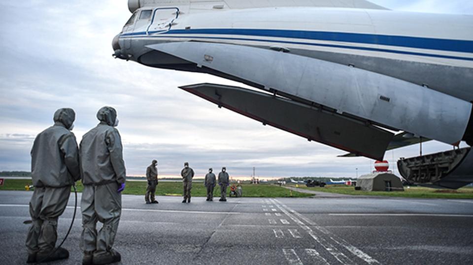 Из Италии домой возвращаются российские военные