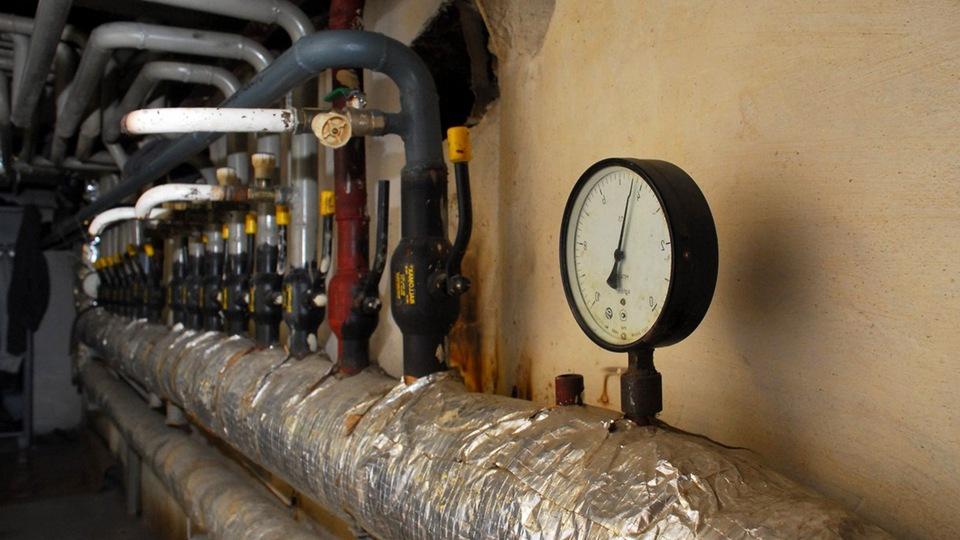 В жилые дома Синарского района началась подача горячей воды