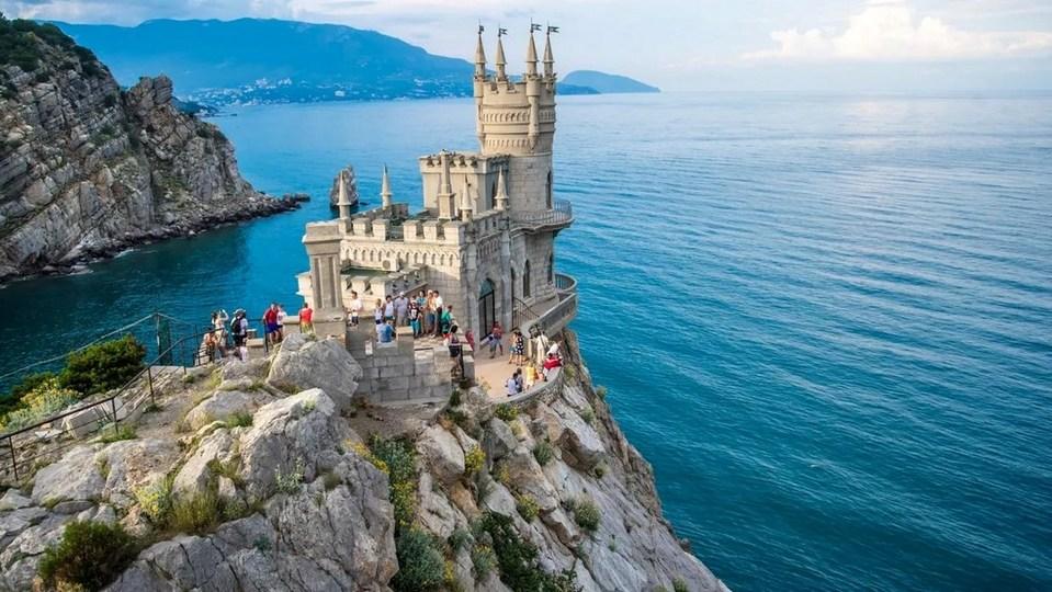 Практически все мини-отели и пансионаты Крыма забронированы до осени