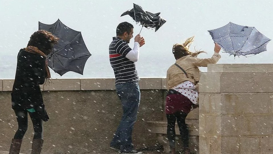 Штормовое предупреждение в Свердловской области: ожидаются грозы и ветер