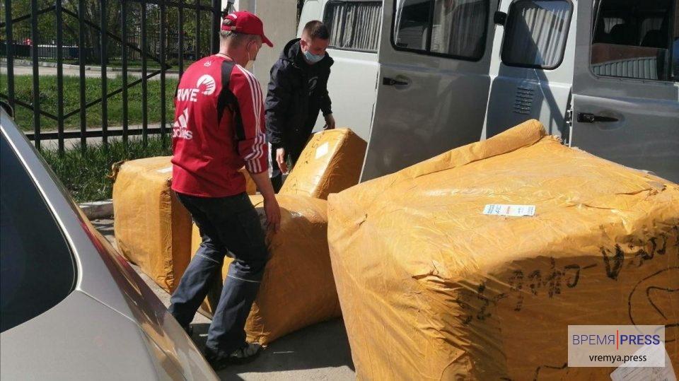 ТМК подарила 162 тысячи масок медицинским организациям Каменска-Уральского