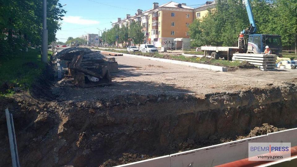 """УК """"Теплокомплекс"""" ведет замену теплотрассы на улице Кунавина"""