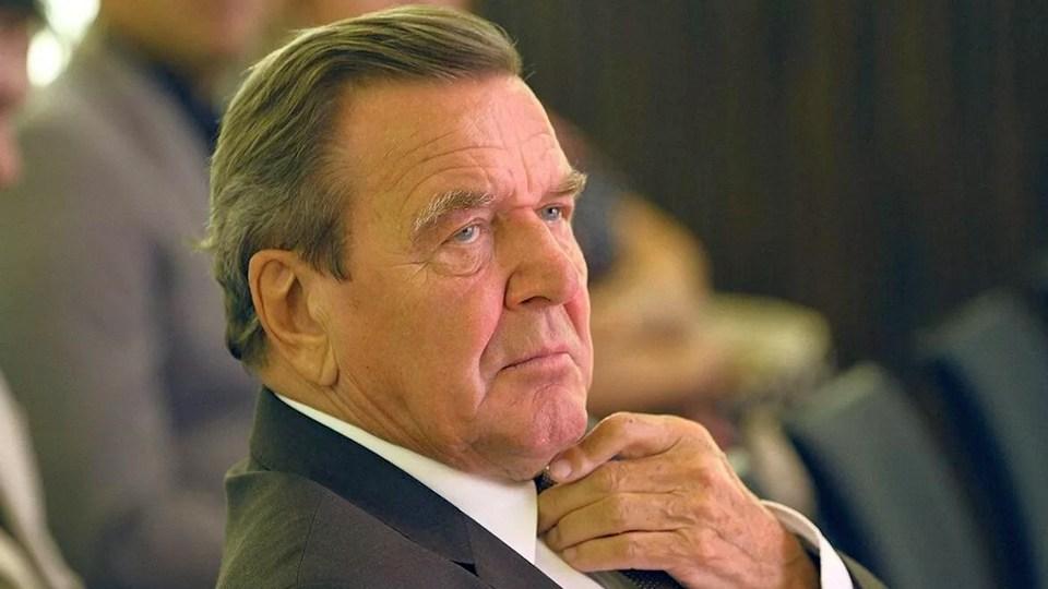 Бывший канцлер Германии выступил с критикой в адрес посла Украины за слова про Крым