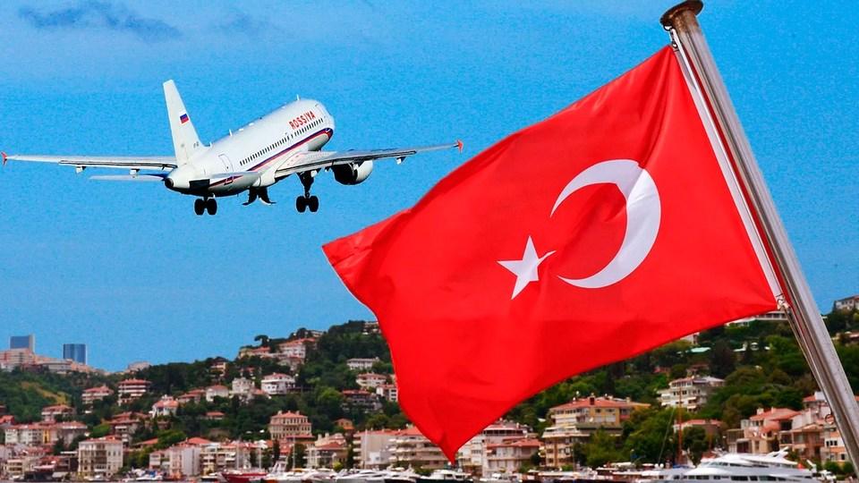 Турция готова принимать туристов из России в июле