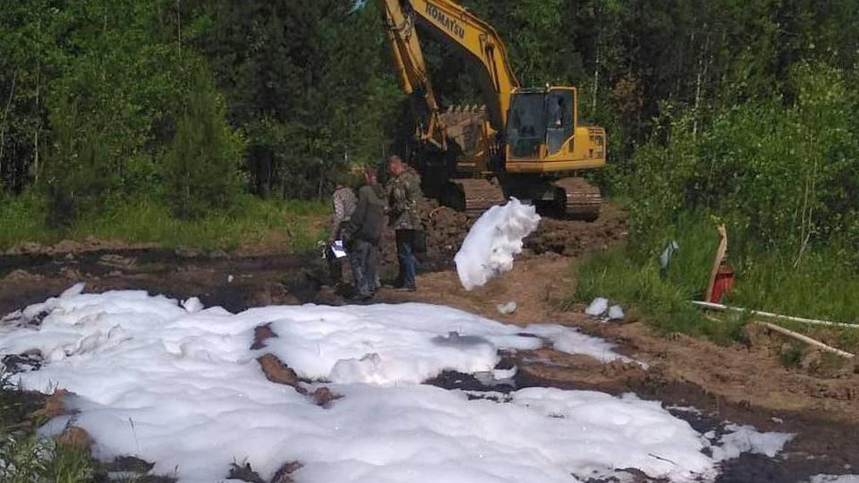 Прокуратура проводит проверку после утечки нефтепродуктов в Свердловской области