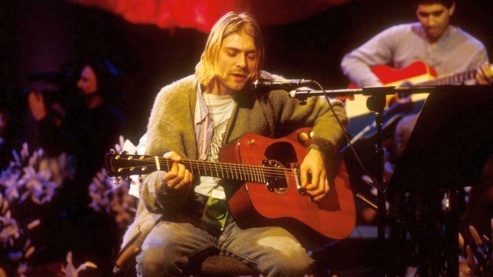 Гитара Курта Кобейна продана на аукционе за рекордные 6 миллионов долларов