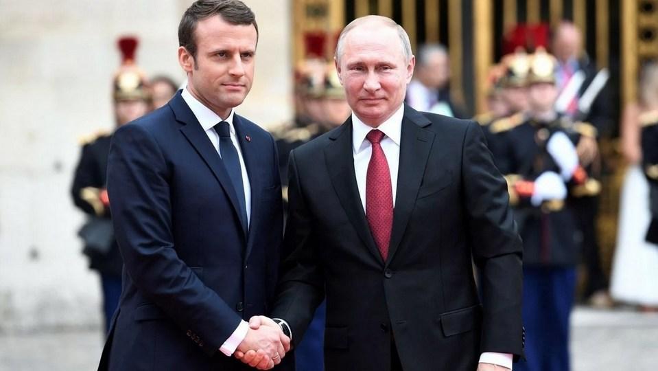 Макрон хочет провести онлайн-переговоры с Путиным