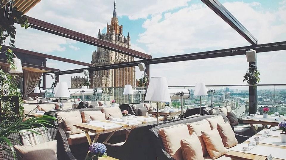 Москва снимает все ограничения с 9 июня, а с 16 июня открывает кафе