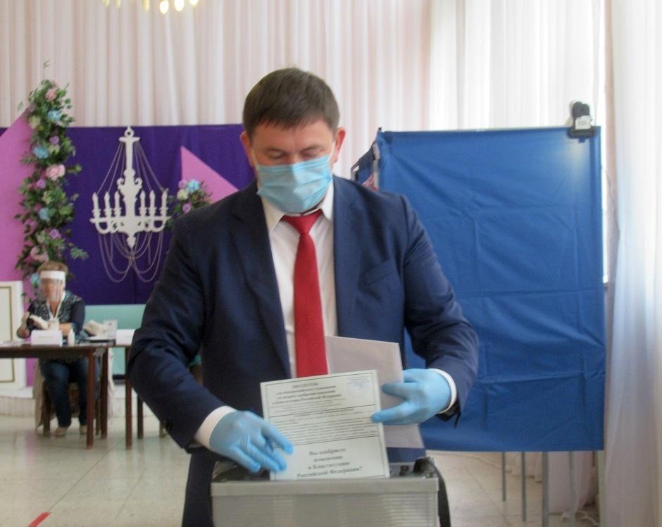 Каменцы активно участвуют в голосовании по поправкам к Конституции РФ