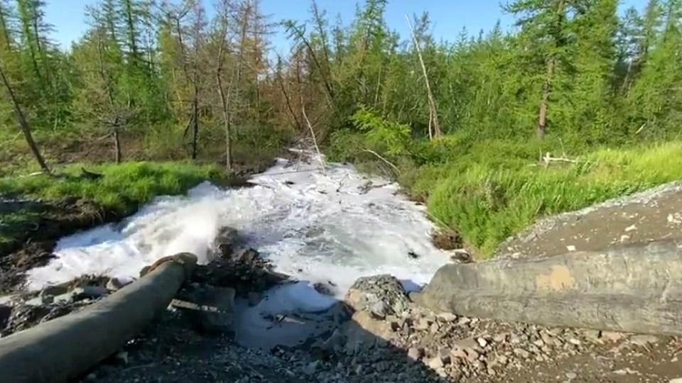 """Предприятие """"Норникеля"""" долгое время незаконно сбрасывало стоки в тундру и пресную реку"""