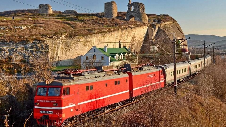 Поезд Екатеринбург - Симферополь начнет курсировать с 30 июня