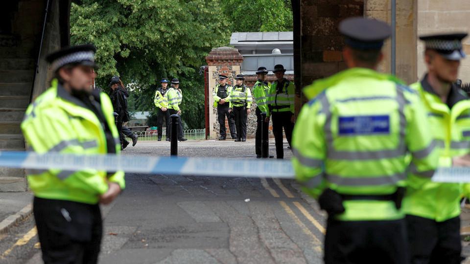 Полиция Великобритании признала терактом нападение на людей в Рединге