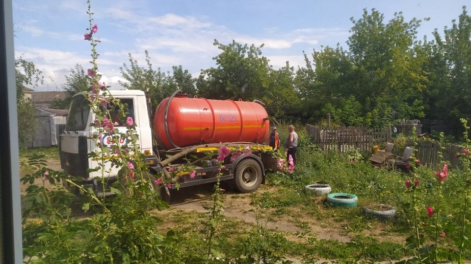 Квартиры жителей поселка Мартюш топит канализацией