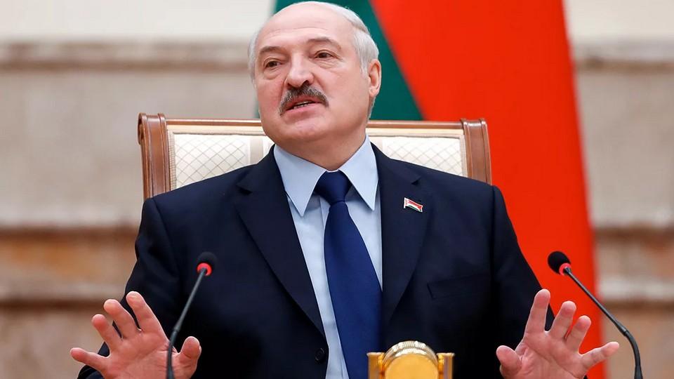 Лукашенко заявил, что тайно и бессимптомно переболел коронавирусом