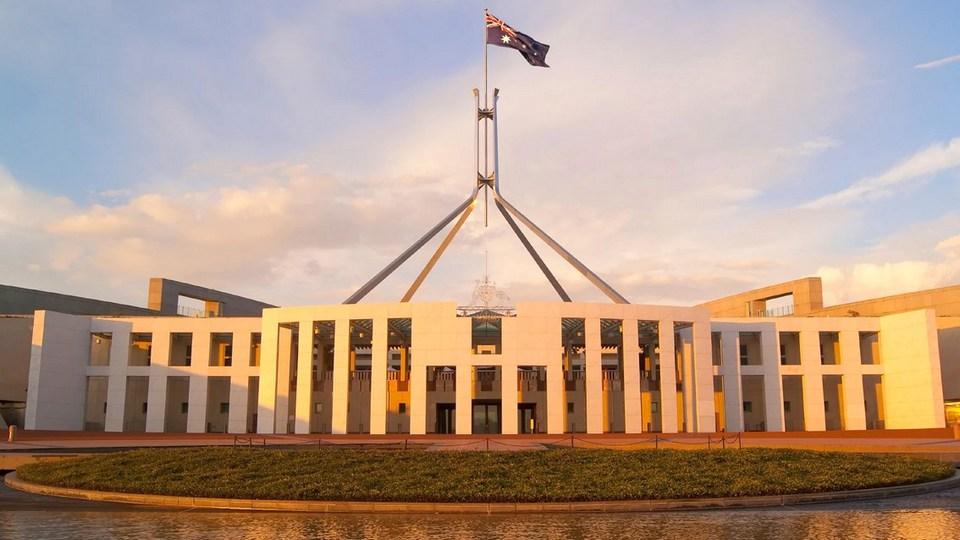 Правительство Австралии приостановило работу до конца августа из-за коронавируса