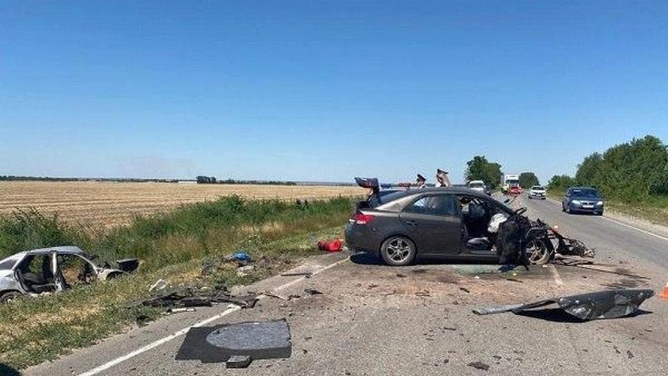 Пять человек погибли в ДТП в Ростовской области