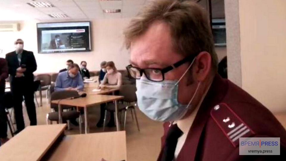Глава Роспотребнадзора Каменска-Уральского угрожает репрессиями нарушителям масочного режима
