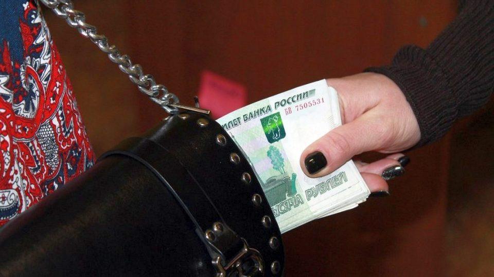 Полицейские Каменска-Уральского раскрыли кражу в деревне Соколова