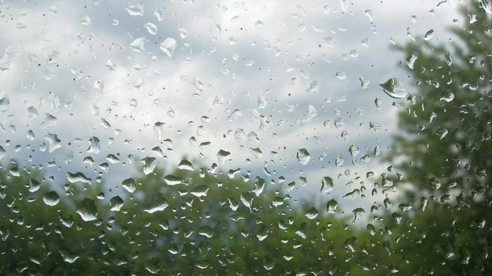 МЧС выпустило штормовое предупреждение для жителей Урала на 19 июля